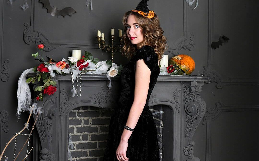 The Money Savvy Way To Host An Adult Spook-tastic Halloween Party